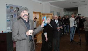 Выставка Ковылкина В.И о подготовке к полёту на МКС гаг-ца Юрчихина Ф.Н