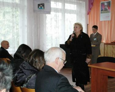 Школа 78, ул. Королёва. Выступает директор - Людмила Ивановна Ступак